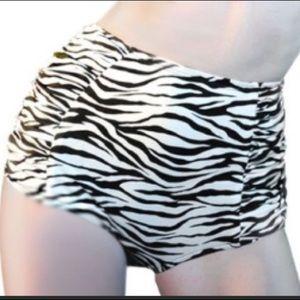 PUG Deadly Dames pinup bikini bottom NWT Large